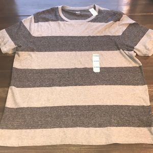 Men's Old Navy Grey and Black Stripe T-shirt